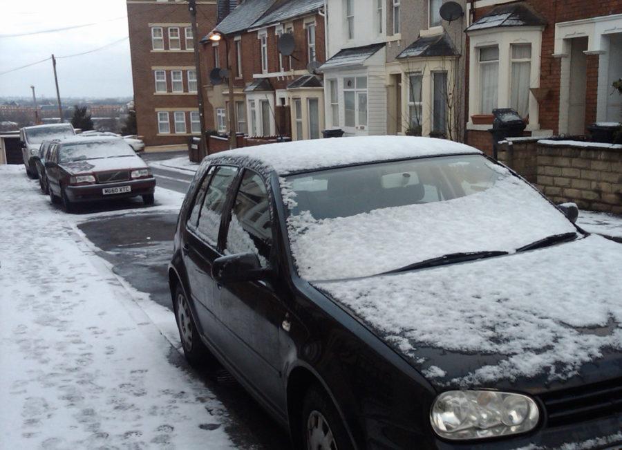 snowy_car_street